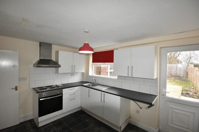 2 bed terraced house to rent in Leslie Avenue, Maltby, Rotherham S66