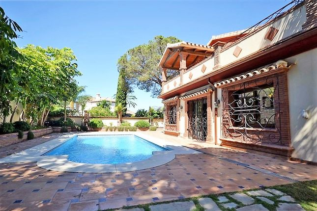 4 bed villa for sale in El Presidente, El Presidente, Malaga, Spain