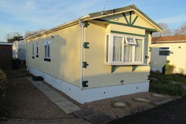 Avondale park ref 5784 colden common winchester for Avondale park homes