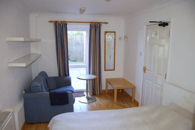 Room 11/Managers Flat