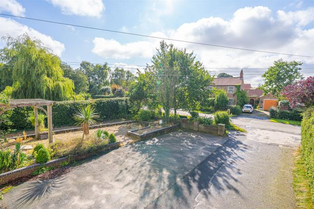Thumbnail Flat for sale in Lower Dunsforth, York