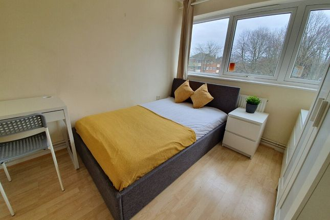 Room to rent in Suffolk Square, Norwich NR2