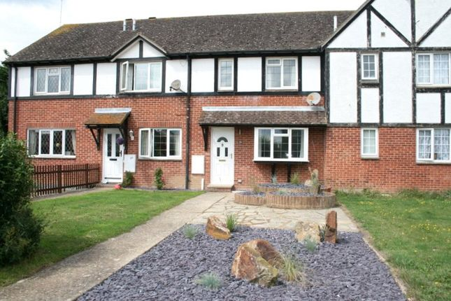 3 bed terraced house to rent in Carvel Way, Littlehampton, West Sussex BN17