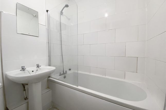Bathroom of Whitham Road, Sheffield S10