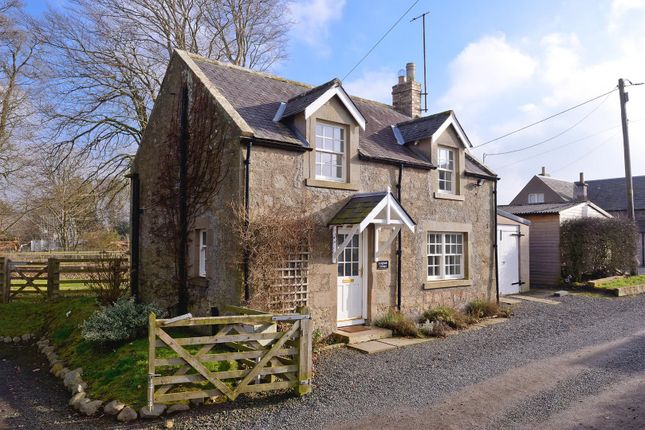 Thumbnail Cottage for sale in Duns Road, Swinton, Duns