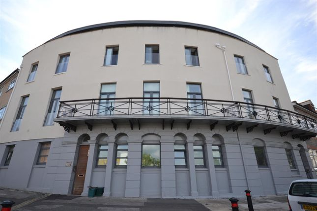Thumbnail Flat for sale in Queens Road, Penarth
