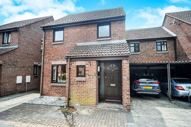 3 bed semi-detached house for sale in Tyning Park, Calne