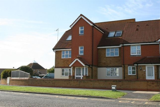 Thumbnail Flat to rent in Falmouth Close, Sov Harbour South, Eastbourne