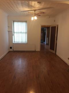 Thumbnail Terraced house to rent in Shirley Rd, Luton