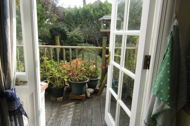 Thumbnail Flat to rent in Wish Road, Hove