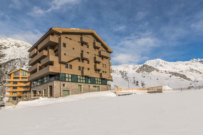 Thumbnail Apartment for sale in Andermatt, Uri, Switzerland