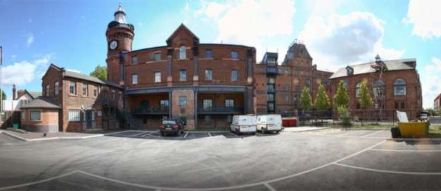 Thumbnail Flat to rent in Elphins Drive, Warrington