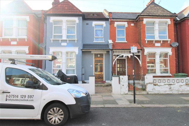 2 bed flat for sale in Boundary Road, Wood Green, London N22