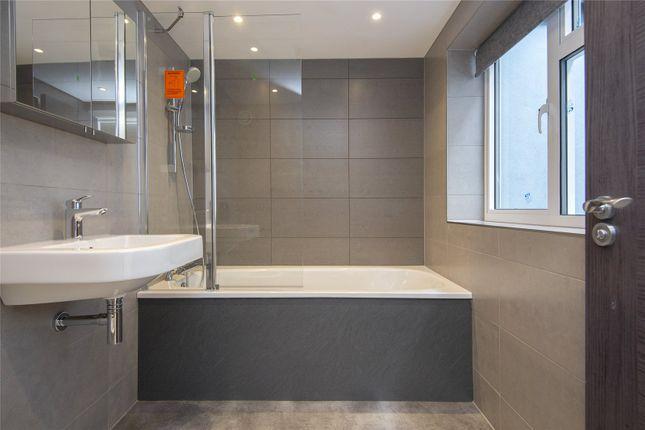 Bathroom of Kanbi House, 1A Mentmore Terrace, London E8