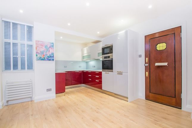 2 bed flat for sale in Clarewood Court, Seymour Place