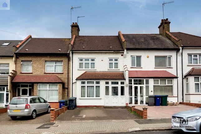Terraced house for sale in Horsham Avenue, London