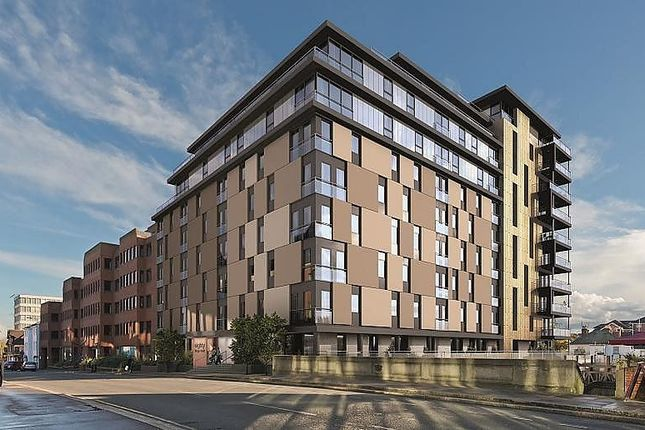 Thumbnail Flat to rent in Kennet House, 80 Kings Road, Reading
