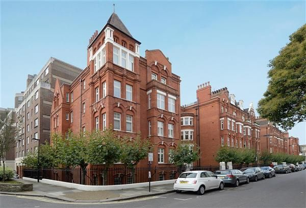 1 bed flat to rent in Hamlet Gardens, Ravenscourt Park, London
