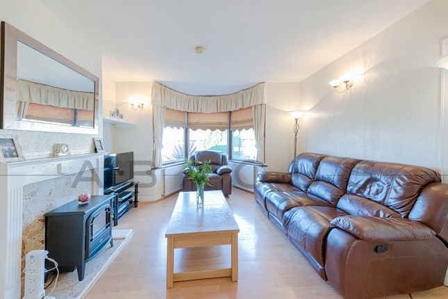 Thumbnail Terraced house for sale in Paddock Road, Gladstone Park