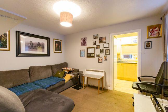 Lounge of Carnegie Street, Montrose DD10