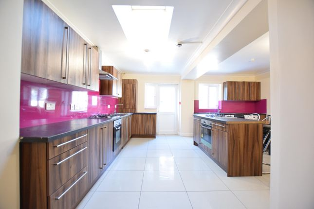 Thumbnail Detached house to rent in St. Peters Road, Reading