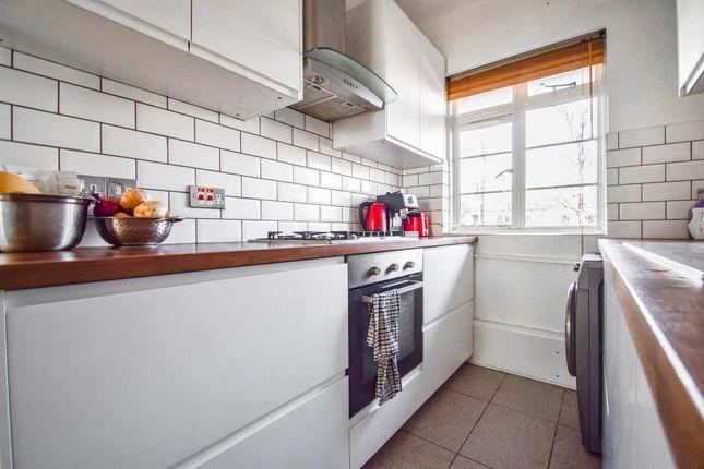 Kitchen of Prebend Street, London N1
