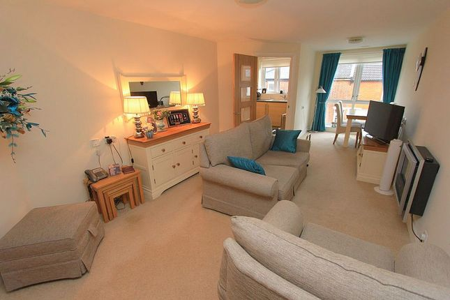 Thumbnail Flat for sale in Handford Road, Ipswich, Suffolk
