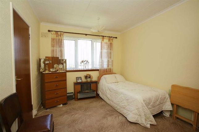 Bedroom 2 of Barkerland Avenue, Dumfries DG1