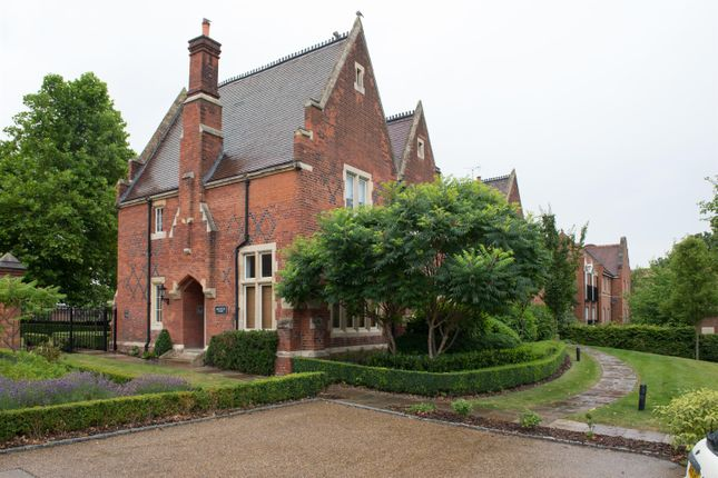 Thumbnail Flat for sale in Brewster Court, The Galleries, Pastoral Way, Brentwood