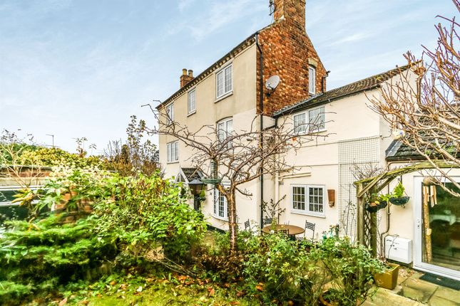 Thumbnail Detached house for sale in Park Road, Rushden