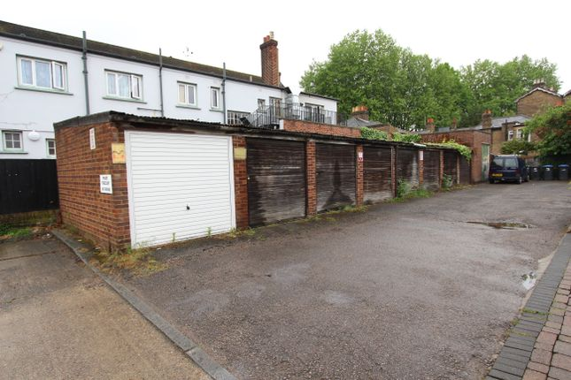 Parking/garage to rent in Parsonage Gardens, Enfield