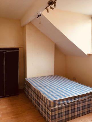Thumbnail Studio to rent in Hayleigh Street, Leeds