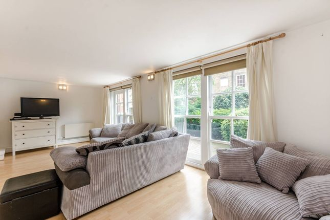 Thumbnail Maisonette for sale in Batchelor Street, Barnsbury, London