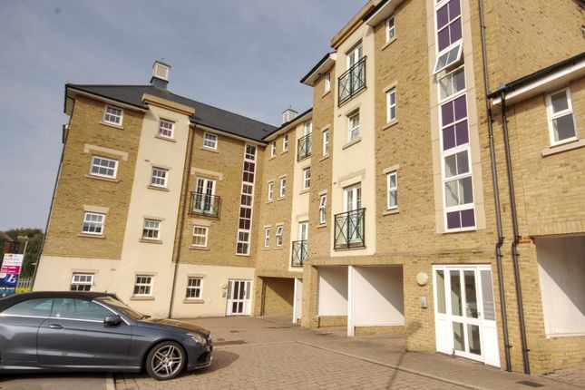 Thumbnail Flat for sale in Chelwater, Great Baddow, Chelmsford