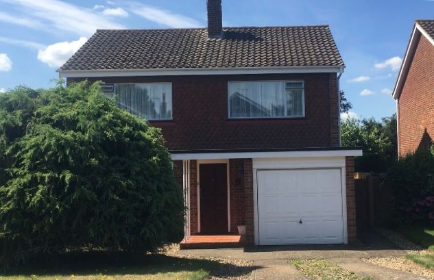 3 bed detached house to rent in Seabrook Road, Tonbridge TN10