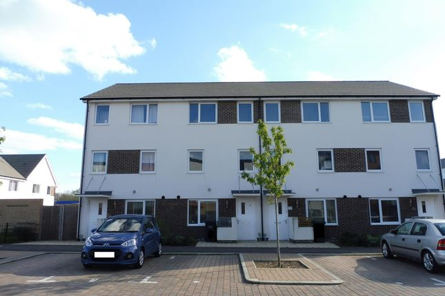 Thumbnail Property to rent in Solebay Way, Gosport