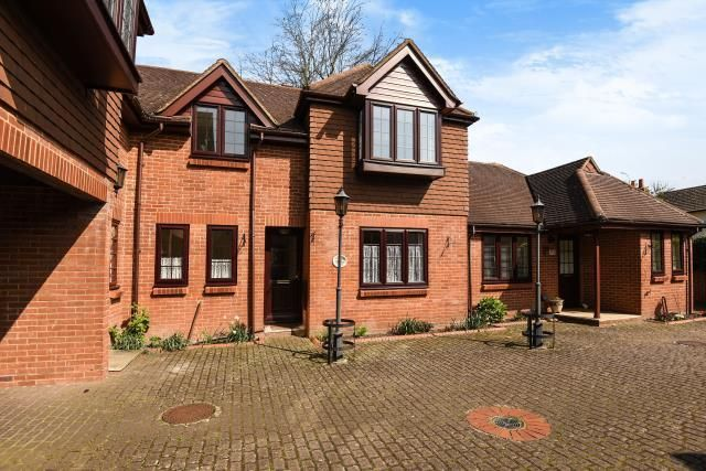 Thumbnail Maisonette for sale in Chobham, Surrey