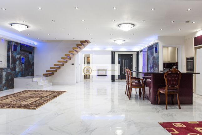 Thumbnail Detached house to rent in Barn Way, Wembley Park, Wembley, London