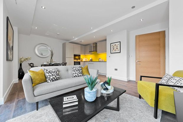 3 bedroom detached house for sale in Graylingwell Park, North Mead, Chichester, West Sussex