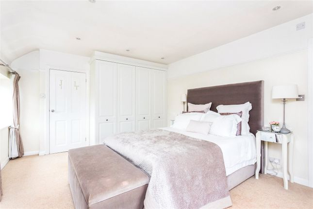 Picture No. 32 of Orchard End, Weybridge, Surrey KT13