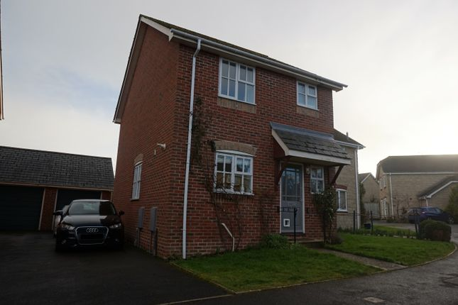 3 bed semi-detached house for sale in Woodmill Close, Stalbridge, Sturminster Newton