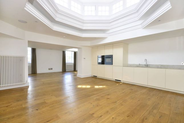 Thumbnail Flat for sale in Vitali Close, Roehampton
