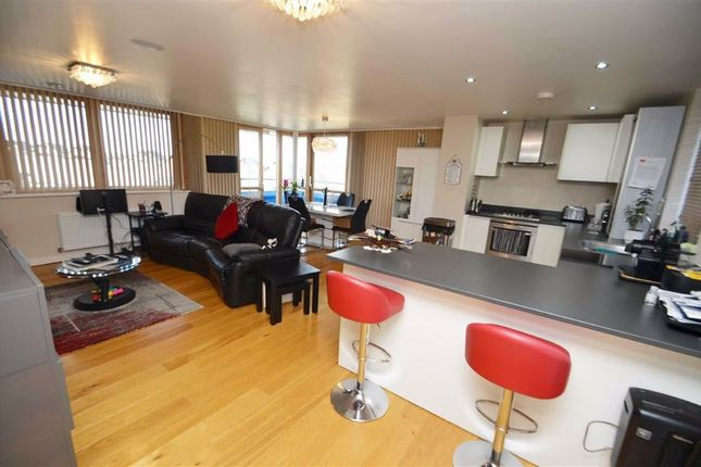 2 bed flat for sale in New Pond Street, Newhall, Harlow, Essex CM17