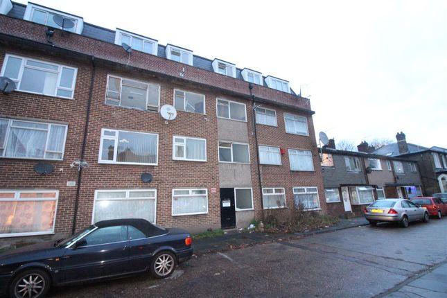 Thumbnail Flat for sale in Bronhill Terrace, Lansdowne Road, Tottenham
