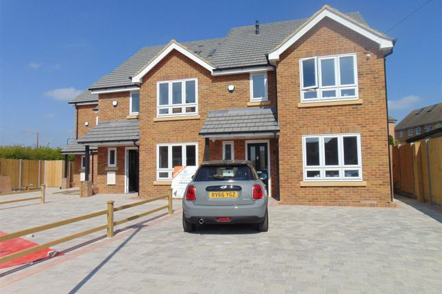 Thumbnail Town house for sale in Lower Cippenham Lane, Cippenham, Slough