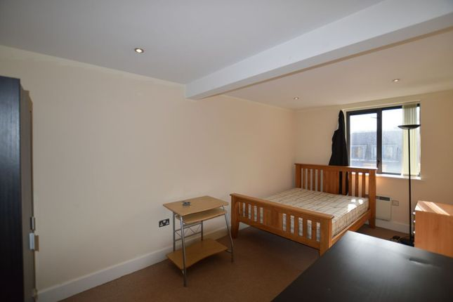 Thumbnail Flat to rent in East Street, City Centre