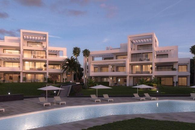 3 bed apartment for sale in Benahavis, Malaga, Spain