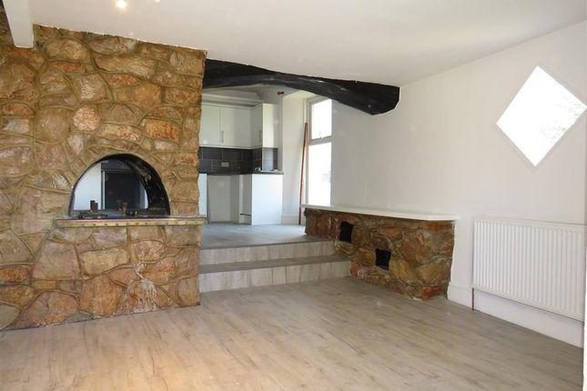 Living Room of Western Road, Torquay TQ1