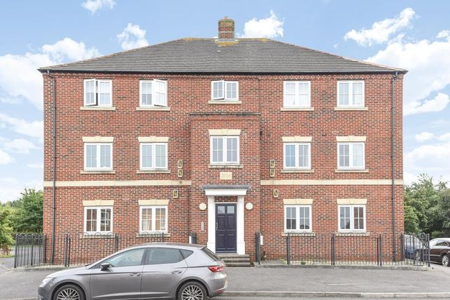 Thumbnail Flat to rent in Warbler Close, Fairford Leys