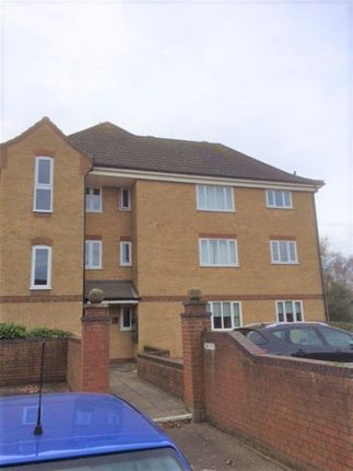 2 bed flat to rent in Mill Road Drive, Ipswich, Suffolk